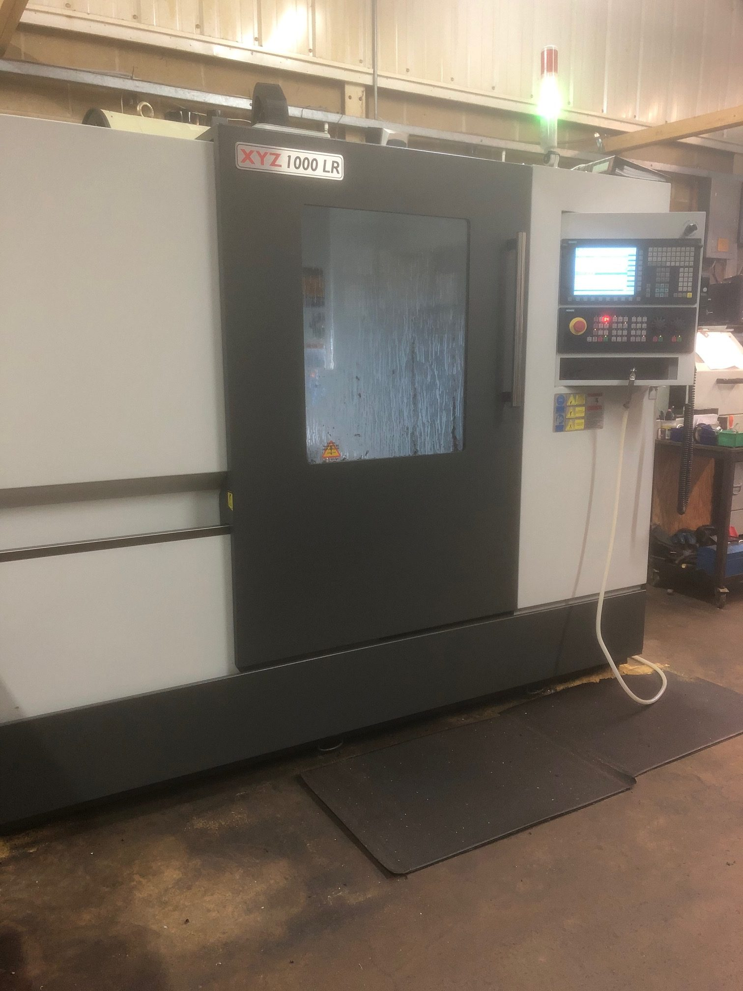 1000 LR vertical Milling machine from Fort Precision